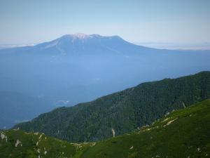 稜線に出ると御岳山