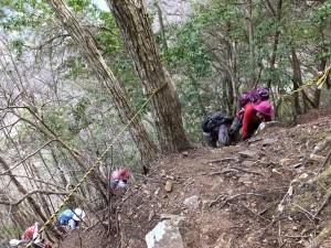 4-急登の岩場を登る