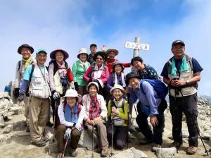88木曽駒ケ岳山頂でMB